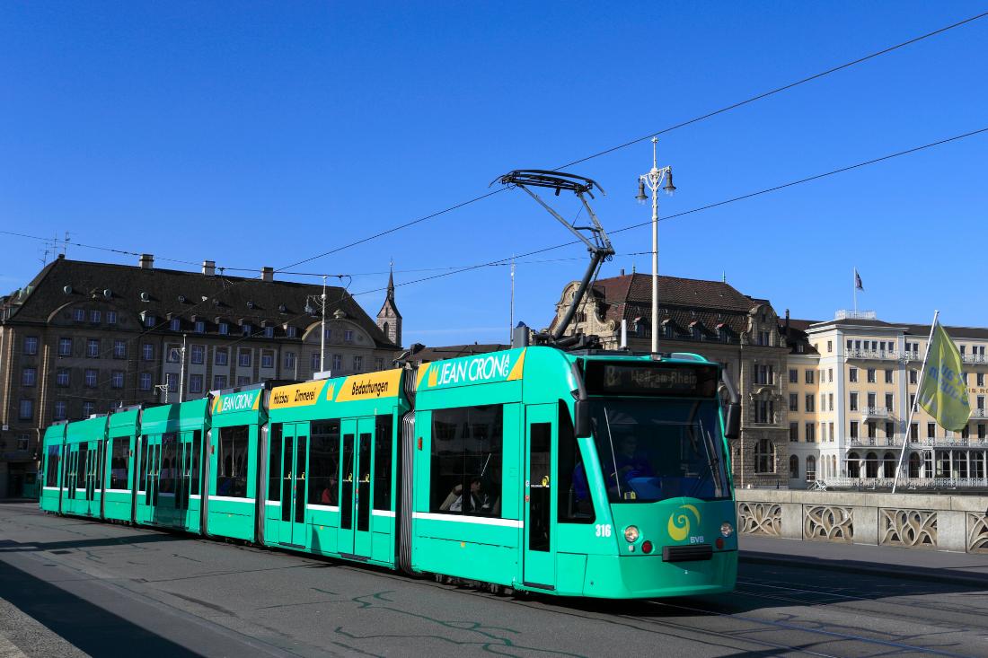Panneaux relatifs au tramway